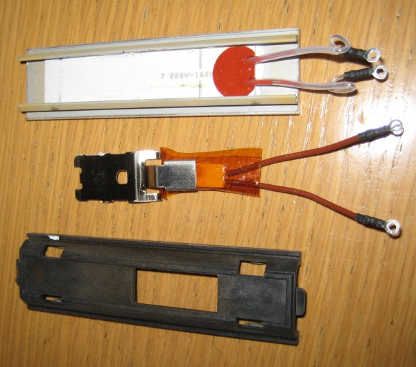 7) Dismantle the heater plate sub assembly & GHD-Repair: Thermal Fuse Replacement in GHD 3.1b